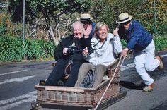 5 Highlights in Funchal auf Madeira - via Jo Igeles 13.01.2015   Fünf Highlights in Funchal auf Madeira, die man nach Jo Igeles Reiseblog nicht verpassen sollte. Foto: Korbschlittenfahrt in Funchal