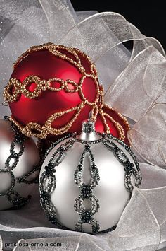 tutorial in PDF format  http://preciosa-ornela.com/project-christmas-ornament-with-twin