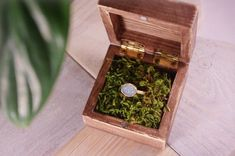 Ring box, wooden ring box with moss, rustic engagement ring box, proposal ring box, wedding ring box, ring bearer box, rustic ring holder