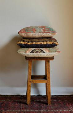 Love the tribal print on these vintage wool pillows.