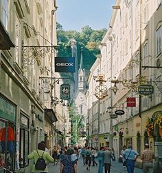 Trippy.com's travel enthusiasts share their insider tips and pictures about Salzburg