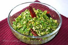 Stir fried beans flavored with coconut. simple yet delectable! Main Dish Salads, Main Dishes, Side Dishes, Stir Fry Beans, Fried Beans, Second Breakfast, Healthy Life, Fries, Vegan Recipes