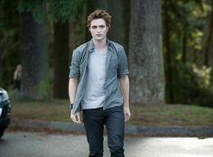 yes please... Saga Twilight, Twilight Edward, Twilight Saga New Moon, Vampire Twilight, Twilight Cast, Twilight Pictures, Twilight Movie, Twilight Songs, Twilight Images