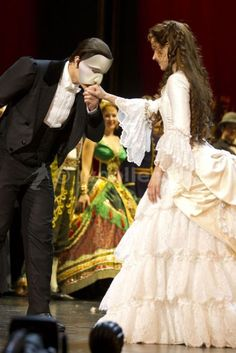 Ramin Karimloo and Sierra Boggess at the curtain call of Phantom25. Gabby:  Be still my heart!  sigh.