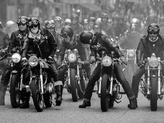 """caferacersofinstagram: """"The Ton Up Boys getting ready to mob. Photo via @tonup.dave. . . . #croig #caferacersofinstagram #caferacer """""""