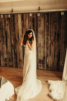 This bride wore a romantic lace gown for her wedding with a long veil + sparkly headband Amazing Wedding Dress, Elegant Wedding Dress, White Wedding Dresses, Wedding Dress Styles, Romantic Lace, Boho Wedding, Dream Wedding, Rustic Bridal Shower Invitations, Wedding Invitations