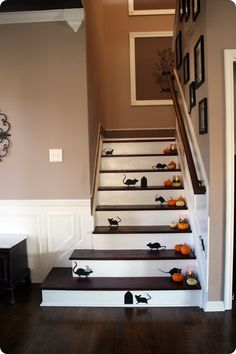 more Halloween Mouse CRAP! Cute Halloween decor