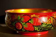 bowl, khokhloma, russian, strawberries