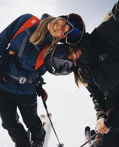 - Travel tips - Travel tour - travel ideas Best Friend Goals, My Best Friend, Ski Season, Snow Bunnies, Winter Pictures, Ski And Snowboard, Snowboarding Outfit, Jolie Photo, Winter Photography