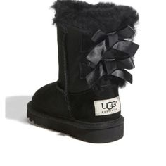 Bow Uggs--have to find these for my Emmy.