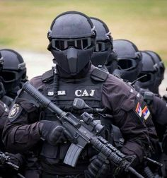 I see your taiwan special forces heres serbian special forces Special Forces Gear, Military Special Forces, Military Police, Military Weapons, Tactical Armor, Special Ops, Serbian, Modern Warfare, Panzer