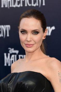El secreto de la eterna juventud de Angelina Jolie - Univision Belleza y Moda