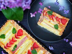 Linecký koláč s rebarborou a jahodami