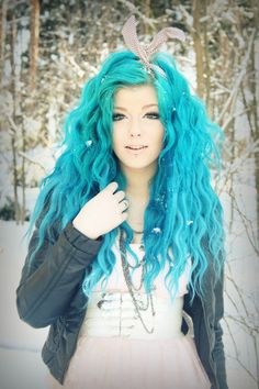 Blue Hair I like I would love to that to my hair