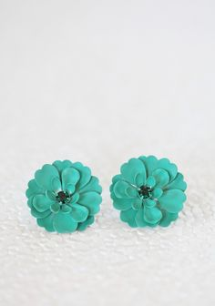 green blossom stud earrings #fall