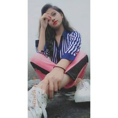 Cute Friend Pictures, Cool Girl Pictures, Girl Photos, Beautiful Girl Facebook, Beautiful Girl Photo, Dehati Girl Photo, Girl Photo Poses, Stylish Girls Photos, Stylish Girl Pic