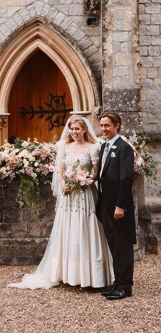 British Wedding Dresses, Dream Wedding Dresses, Wedding Gowns, Princess Beatrice Wedding, Royal Princess, Royal Brides, Royal Weddings, Royal Wedding Harry, Vestidos Vintage