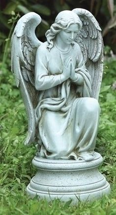 Amazon.com : Joseph Studio 40063 Tall Praying Angel Kneeling on Pedestal Statue, 17.75-Inch : Outdoor Statues : Patio, Lawn & Garden
