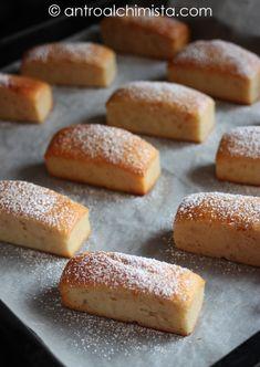 Trancetti allo Yogurt e Marmellata di Fragole Cookie Desserts, Dessert Recipes, Biscotti Cookies, Torte Cake, Italy Food, Plum Cake, Italian Cookies, Scones, Just Cooking