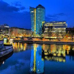 UniqaTower Donaukanal Vienna, Marina Bay Sands, Obama, Austria, Photography Tips, Lifestyle Blog, Places, Top, Travel