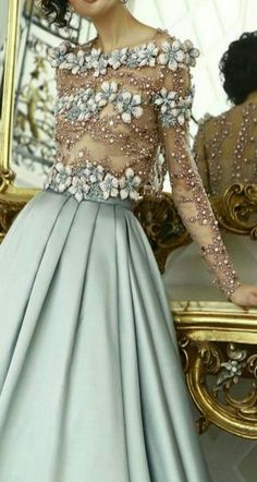 19 Ideas Fashion Dresses Blue Haute Couture For 2019 Style Haute Couture, Couture Fashion, Elegant Dresses, Pretty Dresses, Fall Fashion Trends, Autumn Fashion, Mode Inspiration, Fashion Inspiration, Beautiful Gowns