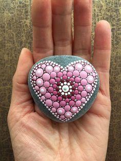 Acrylmalerei - Herzens-Stein rosa Blume - ein Designerstück von Shivajyoti bei DaWanda