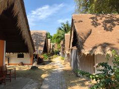 Coral Island (Koh He) bei Phuket >>> Infos, Tipps, Resort Island Resort, Bungalows, Strand, Coral, Country Roads, Small Island, Resorts, Bungalow, Bungalow Homes