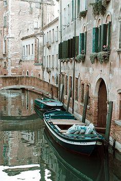 San Croce, Venice ~ I <3 the hues ... heck. I just LOVE Venice!!!!!