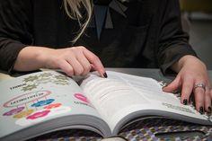 Co-laboratory 27 november bij Broeinest Rotterdam #retail #trends #technologie #inspiratie #colaboratory Lancering derde en vernieuwde druk van #Prikkeldekoopknop Rotterdam, November, Cards, Technology, November Born, Maps, Playing Cards