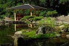 japanischer Pavillon mit Insel im Japangarten vom Zenkloster Liebenau