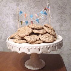 Yesterday was my sweet husband's birthday, and he wanted oatmeal cookies as his birthday treat instead of cake. Birthday Treats, 1st Birthday Parties, Yummy Cookies, Cake Cookies, Cake Bunting, Husband Birthday, Oatmeal Cookies, Mini Cakes, Just Desserts