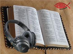 """La FE genuina es aquella que tiene su fundamento en lo que la biblia dice. No es psicologia ni es positivismo o confianza en si mismo. Es creer y confiar en lo que Dios dice en Su Santa Palabra.   """"Así que la fe es por el oír, y el oír, por la palabra de Dios."""" Romanos 10:17"""