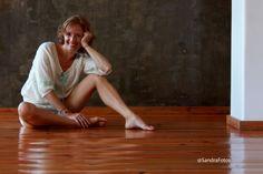 Histórias da Sandra Fotos  http://historiasdasandrafotos.blogspot.com.es/2013/01/sessao-fotografica-yogapilates-uma.html