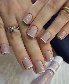 Uploaded by H e a r t b e a t ? Find images and videos about nails on We Heart It - the app to get lost in what you love. Classy Nails, Stylish Nails, Simple Nails, Trendy Nails, Simple Elegant Nails, Diy Ongles, Bridal Nails Designs, Nagellack Trends, Manicure E Pedicure