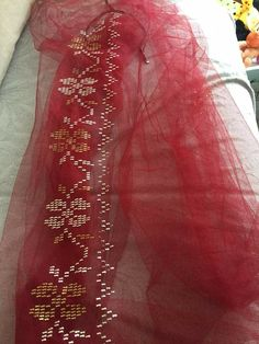 Embroidery Motifs, Bargello, Diy And Crafts, Fashion Dresses, Crafty, Sewing, Towels, Punto De Cruz, Dots