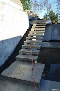Looking for concrete stairs design and trends? Access a gallery of concrete staircase photos from top outdoor designers. Building Stairs, Building A House, Cantilever Stairs, Concrete Stairs, Exterior Stairs, Floating Staircase, Outdoor Stairs, Stairs Architecture, Modern Stairs