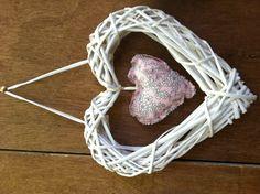 Feeling the Love Crafty, Knitting, Sewing, Crochet, How To Make, Handmade, Crocheting, Hand Made, Costura