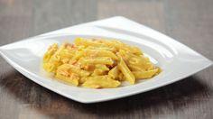 Ricetta Pasta zafferano e salmone: La pasta zafferano e salmone è una delle pastasciutte che più amiamo in casa! Facilissima e super gustosa! Gnam!