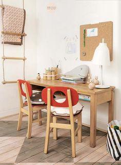 Kids desk inspiration - Find the wooden OYOY Living Design animals online. Scandinavian Kids Rooms, Scandinavian Style, Nordic Style, Workspace Inspiration, Room Inspiration, Deco Kids, Playroom Decor, Deco Design, Kid Spaces