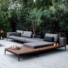 Beautiful outdoor furniture is a must to complete the beautiful scenery of a breezy summer evening. | www.homedecorideas.eu | #outdoorfurniture #furnitureideas #exteriordecor