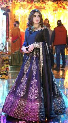 Shadi Dresses, Pakistani Formal Dresses, Pakistani Fashion Party Wear, Pakistani Wedding Outfits, Pakistani Dress Design, Muslim Fashion, Indian Dresses, Wedding Dresses, Fancy Dress Design