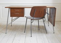 clean, minimal, honest use of materials, with just a touch of eames.   via tumblr: takeovertime