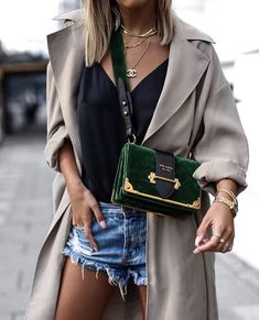 Love the jewel green Prada bag but I think the strap needs to be longer. Looks a - Prada Bags - Ideasd of Prada Bags - Love the jewel green Prada bag but I think the strap needs to be longer. Looks awkward. Fashion Week, Fashion Bags, Street Fashion, Fashion Trends, Fashion Shoes, Fashion Accessories, Fashion Fashion, Fashion Handbags, Fashion Ideas