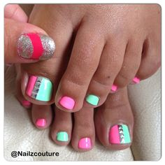 Love the bright color combo.. Maybe not the big toe so much though
