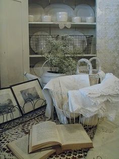 . . . Cabin & Cottage: COTTAGE WHITE