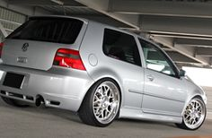 VW GOLF4 R32