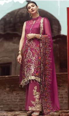 139e14e0aa Buy Online wholesale ladies Dress materials, sarees, Kurtis and leggigns