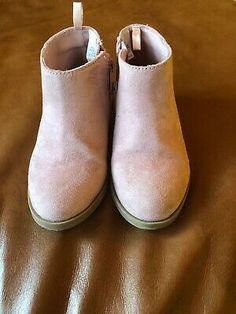 NWOT NWB Carter/'s Infant//Toddler Girls Black with Glitter Zipper Pull On Boot
