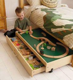 место для игр в маленькой комнате