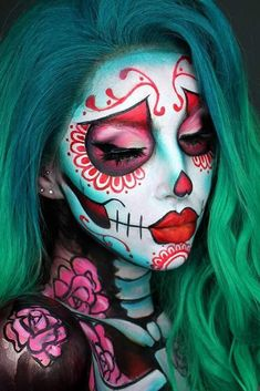 Red Floral Sugar Skull Idea ★ A Halloween look without sugar skull makeup is a look wasted! Our tunning ideas with glitter, rhinestones, and the burst of glam colors are here to help you keep up with the fancy Mexican tradition stylishly. Unique Halloween Makeup, Halloween Eyes, Halloween Looks, Sugar Skull Halloween Makeup, Vintage Halloween, Facepaint Halloween, Sugar Skull Makeup Tutorial, Halloween Costumes, Vintage Witch